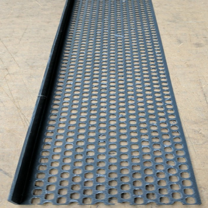Wemico 30mm x 70mm x 2.5m Black PVC Ventilation Angle 1 length