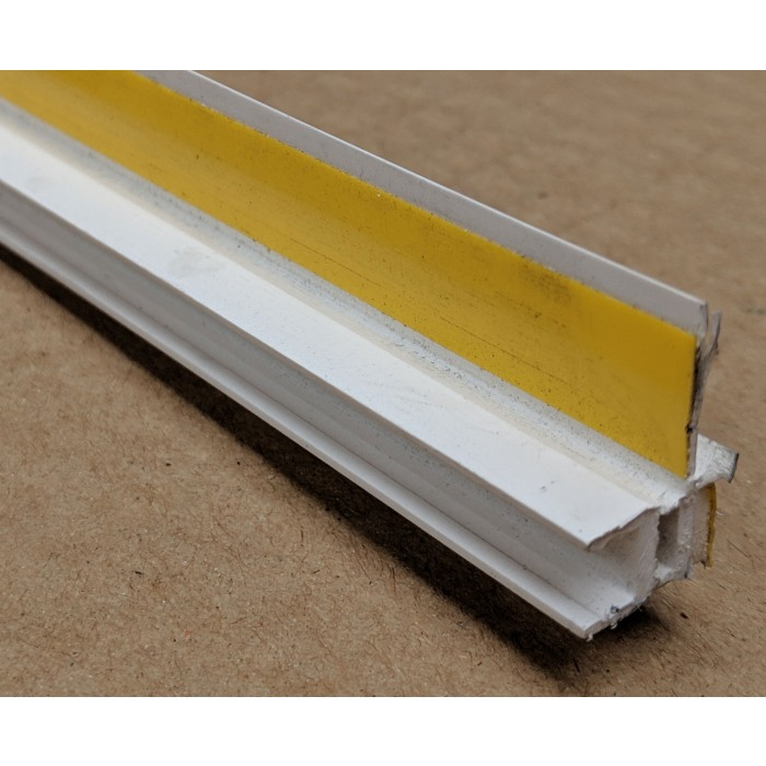 White PVC Self Adhesive Window / Door Frameseal Bead 9mm Render Depth 2.6m 1 Length